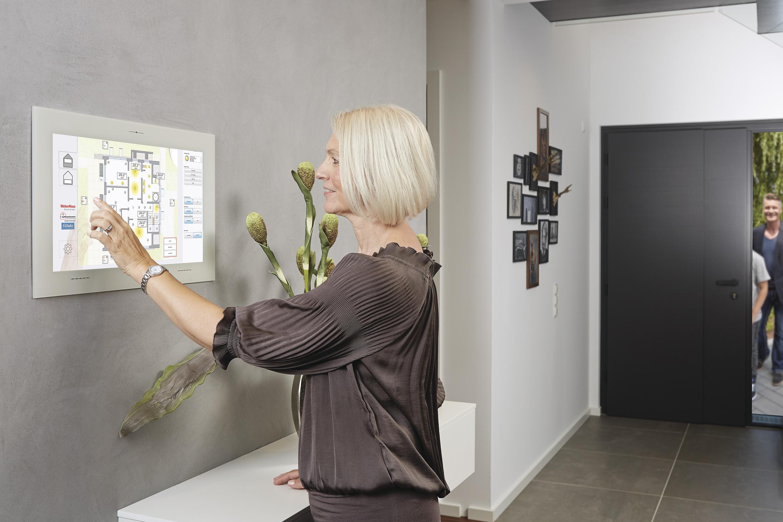 Touchbedienung Smart Home für Entertainment mit myHomeControl